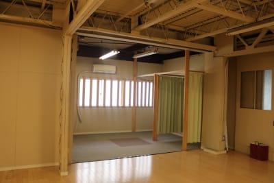 更衣室 - ERCビル(元SKビル) ダンススタジオ 一階の室内の写真