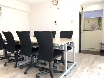 はまルーム桜木町 貸し会議室・セミナールームの室内の写真