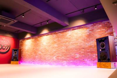 スタジオフロア - DANCE SPACE 007 ダンススタジオ、多目的スタジオの室内の写真