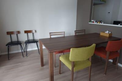 広々としたダイニングテーブルです - 川口市kawaguchi レンタルリビングの室内の写真