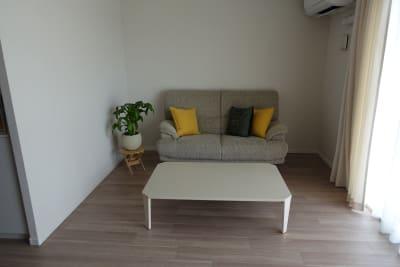 床暖房も完備しております - 川口市kawaguchi レンタルリビングの室内の写真