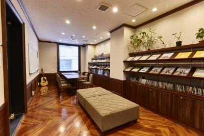 アンドビジョン株式会社 教室3(スタジオ)の設備の写真