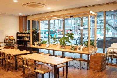 キッキプラス カフェ、貸スペースの室内の写真