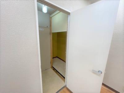 更衣室 - れんたるスタジオMINT レンタルスタジオ 1階の室内の写真