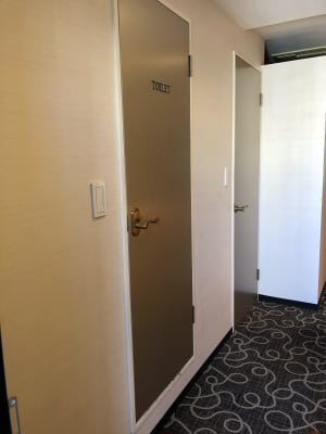 トイレのドアです - スぺリアルメソッド表参道店 ハリウッドの設備の写真