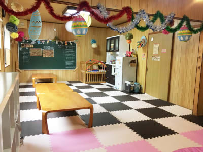 カフェ御結(おむすび) 子連れでも安心多目的スペースの室内の写真