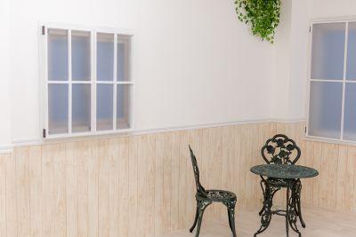 夜 - スタジオフェアリー 天満橋店 ガーデン スタジオの室内の写真