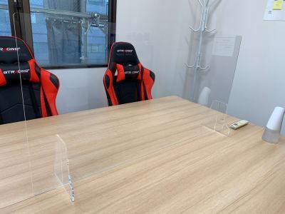 飛沫防止用アクリル板 - GS町田RSビル貸会議室 オープン特価・ゲーミングチェアの室内の写真