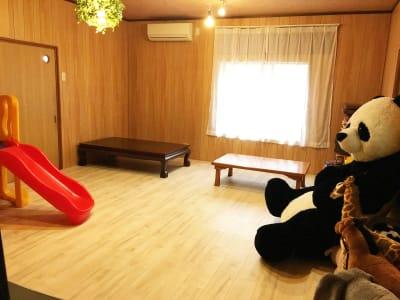 カフェ御結(おむすび) 子連れでも安心多目的スペース2の室内の写真