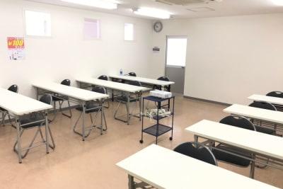 高崎白銀ビル 貸会議室 第四会議室【最大24席】 の室内の写真