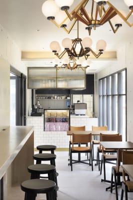 店内 - CEN cafe & bar オープンテラスの室内の写真