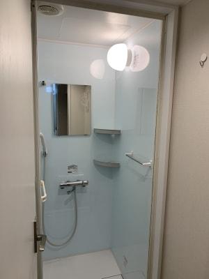 ダンスとヨガ利用者はタオル持参でシャワー室を利用可能です。事前連絡必要  - wingsky Tokyo 9号室(3j時間~)の室内の写真