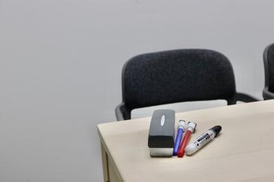 備品も各種揃えています。 - サクラサク 会議室の設備の写真