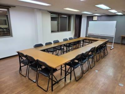 講演会や会議室としても使えます☆ - レンタルスタジオ BigTree 岸和田店の室内の写真