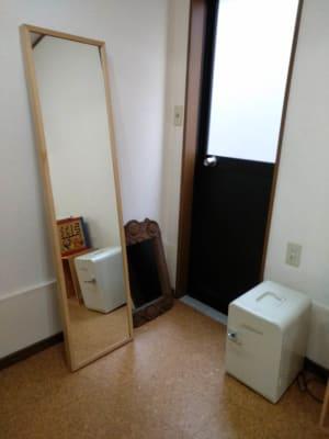 姿見、鏡、保冷温庫 - Reborn サロンスペースの設備の写真