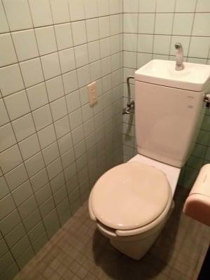 トイレ - Reborn サロンスペースの設備の写真