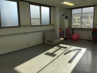 池田ビル トモコ・バレエ・スタジオの室内の写真