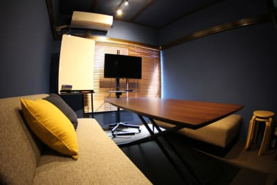 AO下北沢 〜アオシモキタザワ〜の室内の写真