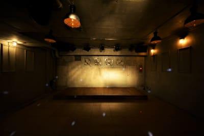 照明によって様々な雰囲気を出すことが出来ます。 - GREEN'S LINE 【ステージ有】撮影・配信の室内の写真