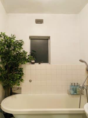 お風呂無料貸出中! タオルはないので持参して下さいね。 - レンタルスペースEdi 撮影スペースの室内の写真