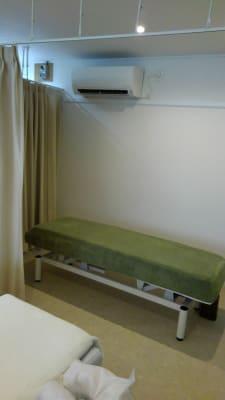 リラク&エステ らくーる 1Fレンタルベッドの室内の写真