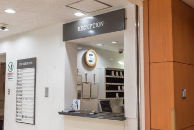 フロント - 大橋会館 大教室の入口の写真