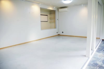SPACE R ムービー撮影スペースの室内の写真