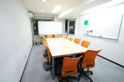 新宿ダイカンプラザB館 ふれあい貸し会議室新宿B-801の室内の写真