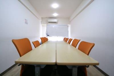 新宿ダイカンプラザA館 ふれあい貸し会議室新宿A-504の室内の写真