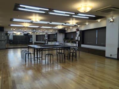 オプション:長テーブル4、パイプ丸椅子12 - 赤塚ダンススクール レンタルスタジオの設備の写真