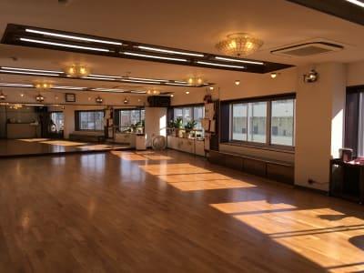 フロア(入り口から) - 赤塚ダンススクール レンタルスタジオの室内の写真
