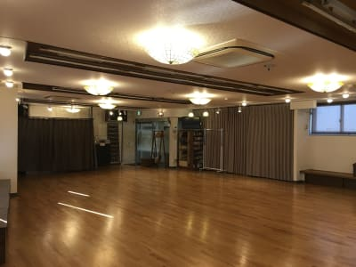 フロア(入り口に向かって) - 赤塚ダンススクール レンタルスタジオの室内の写真