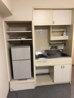 キッチン 電気コンロ 冷蔵庫 - 格安 レンタルオフィス 均一料金!の室内の写真
