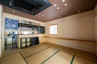 もちゃもちゃ 和風の一軒家 庭 テラスの室内の写真