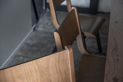 すべての家具にもこだわっています。 - HOLDER jingumae6 4階会議室の設備の写真