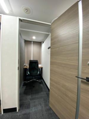 渋谷ワールド宇田川ビル 1人半個室 RoomF(7F)の室内の写真