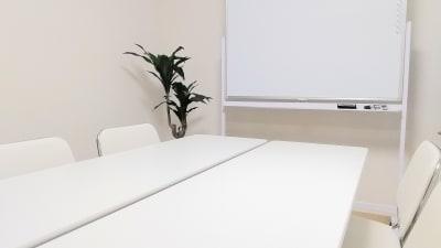 レイアウト例(会議スタイル) - SF京都四条烏丸サテライト SF京都四条烏丸ST/ANNEXの室内の写真