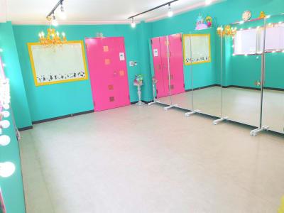 明るい雰囲気. 窓が開い, 換気が可能スタジオ - ベストフレンドレンタルスペース スタジオ / 大部屋(ベスト2)の室内の写真