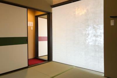 2階の部屋はブラインドカーテンで仕切って使うことが出来ます - 京小宿 古川みやび 京町家レンタルスペースの室内の写真