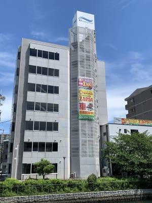 南海堺駅東口を出て右斜め前方面に当ビルが見えます。 - RTCビル ニコニコカルチャースタジオ7Fの外観の写真