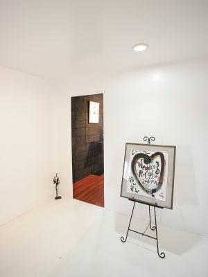 前室。 - ファイブ・ペニイズ 2Fギャラリーの入口の写真