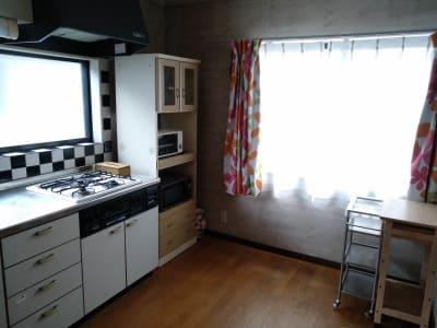 自然光の入る一室、撮影/女子会/誕生日会/パーティー - Reborn キッチンスペースCの室内の写真