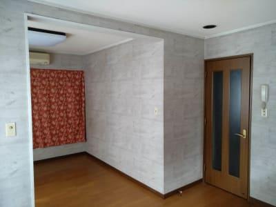 入り口とお部屋の奥 - Reborn キッチンスペースCの室内の写真