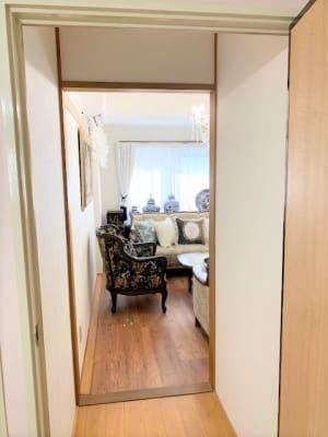 お部屋入口です ドアによる開閉です - レンタルサロンプリュムブランシェ ルーム  Calme(カルム)の室内の写真