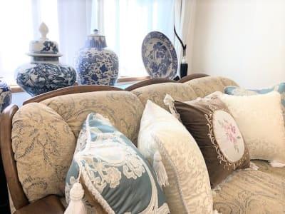 お部屋名のCalme(カルム)は静穏の意 涼やかで心落ち着くお部屋です - レンタルサロンプリュムブランシェ ルーム  Calme(カルム)の室内の写真