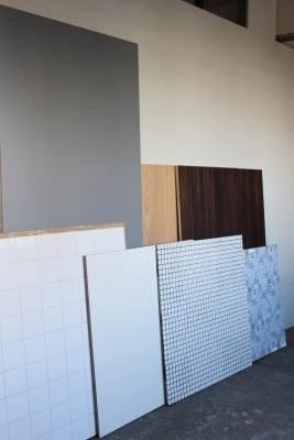 物撮り用の天板をレンタルしています。 ご自由にお使いください。 - STOCK STUDIO レンタルスタジオの設備の写真