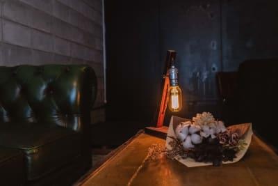 小物を活かした撮影も可能 - 黒門カルチャーファクトリー 撮影スタジオの室内の写真