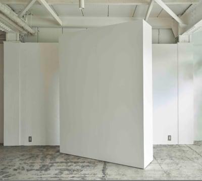 空間を間仕切る移動壁 - studio room22 撮影スタジオの室内の写真