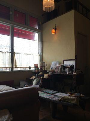 広々吹き抜け待合室無料 - セラピールームFRESCO レンタルサロン1室 サロン貸切有の室内の写真
