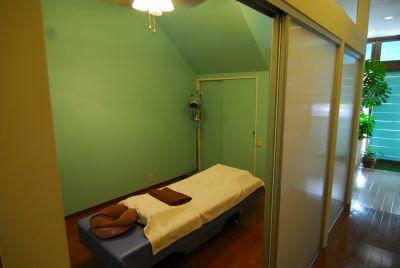 LOCONALU プルメリアルームの入口の写真